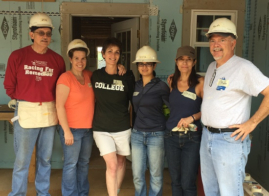 5-DOM-Volunteers-7-17-2015cropped550_400