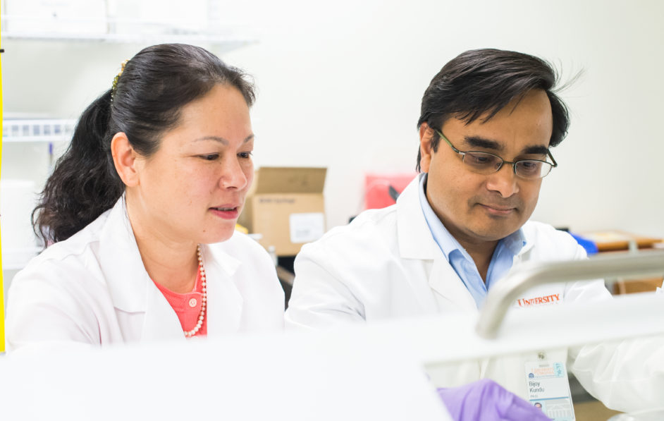 Dr. Bijoy Kundu, Associate Professor of Radiology and Medical Imaging, works in his lab